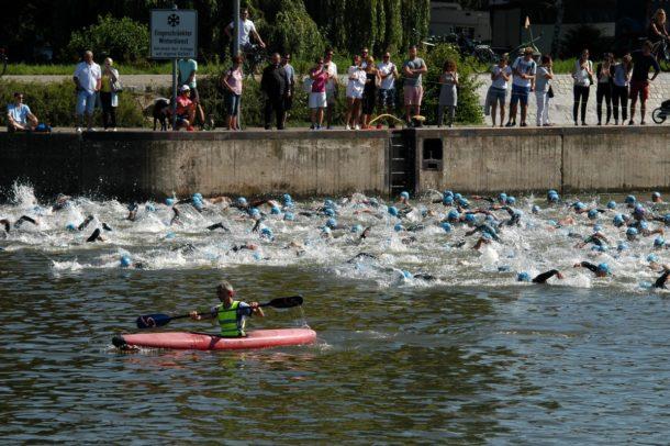 Regensburger-Triathlon-Schwimmstart